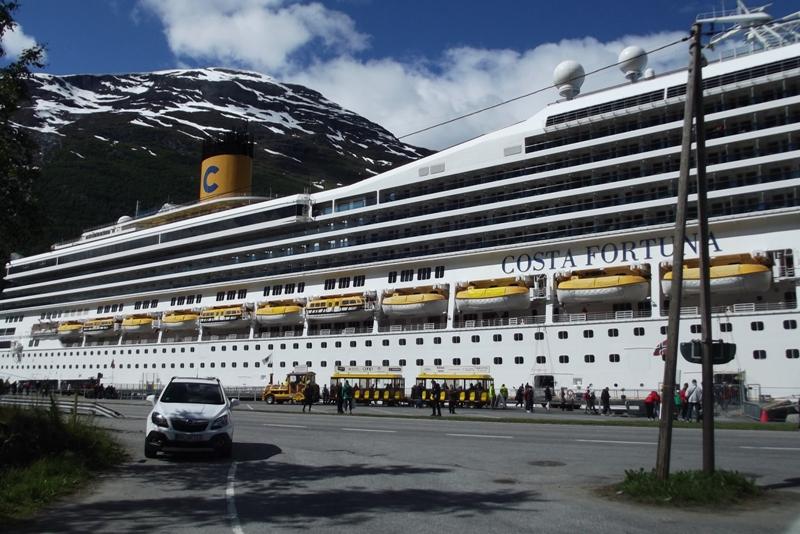 cruiseschip Costa bij Olden 2016 2
