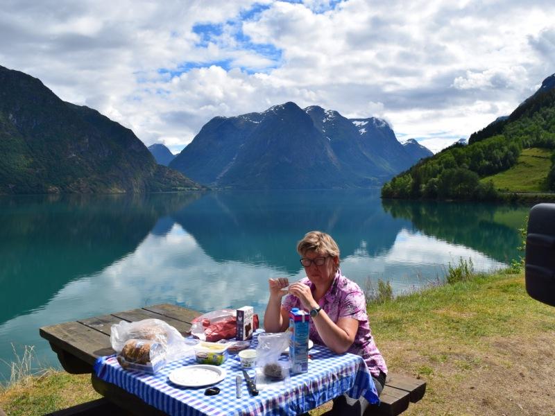 lunch aan het Strynsvatn 2016 1