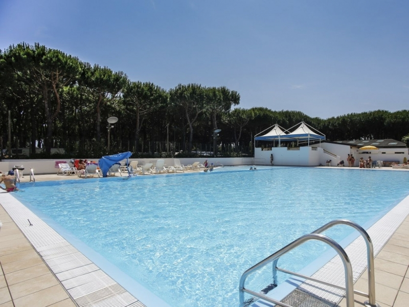 camping-florenz-2016-zwembad