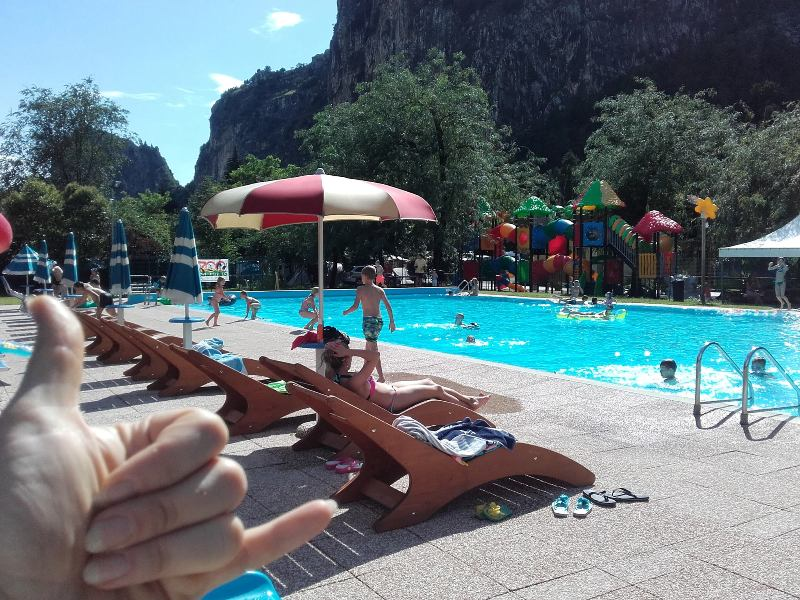 zoo-camping-arco-zwembad